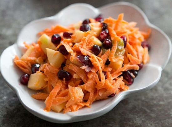 salat-iz-morkovi-i-fruktov