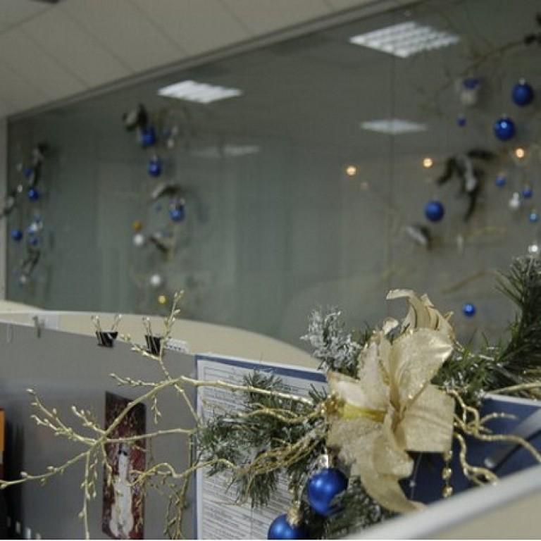 Украсить кабинет в офисе к новому году