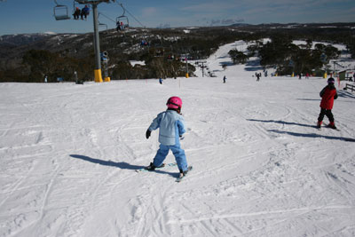 Kids_Skiing